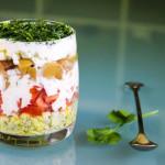 byctryj-sloenyj-salat-s-marinovannymi-shampin'onami-spelo-zrelo-foto3