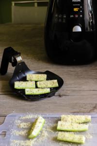 диетические блюда из овощей -цуккинини с пармезаном и специями