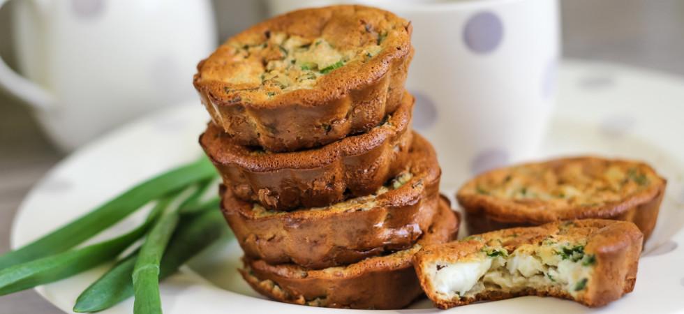 выпечка без муки и масла - пирожки с луком и яйцом