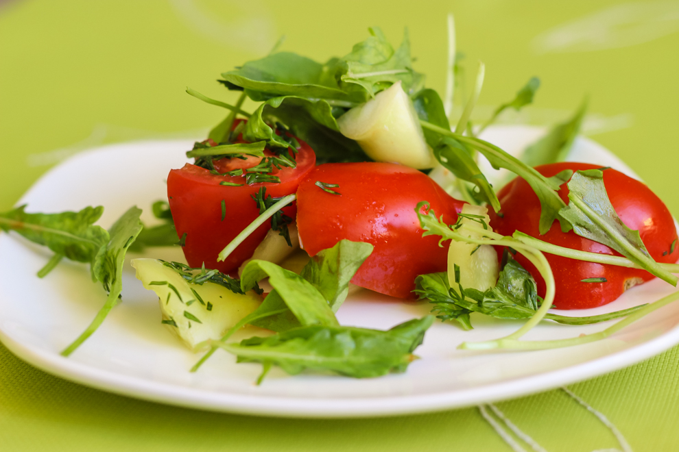 Салат из овощей и зелени рецепт с фото