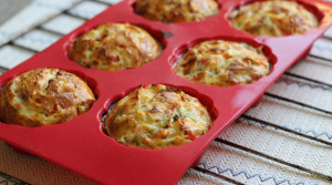 Творожные мини кексы с сыром и овощами