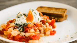 Завтрак или ужин для похудения из фасоли, яйца и сыра