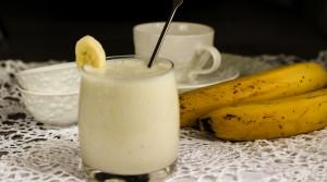 Банановый смузи — быстрый правильный перекус
