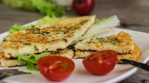 Омлетная лепешка с творогом и сыром — высший балл за вкус и пользу!