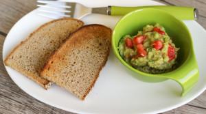 Гуакамоле — лучший соус для женской красоты за 5 минут