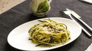 Спагетти из кабачков с пармезаном