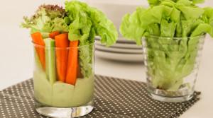 Соус для овощей из авокадо и необычная подача салата