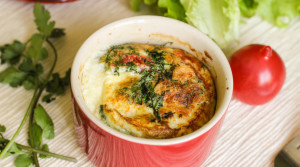 Омлет в кавказском стиле — с помидорами и сулугуни